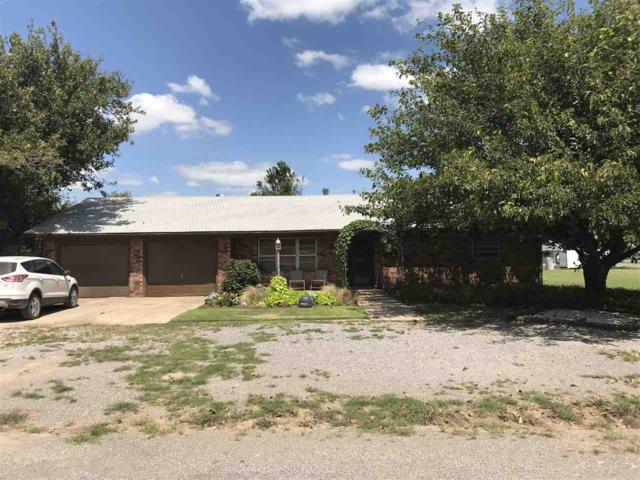 905 2nd St, Chattanooga, OK 73528 (MLS #148724) :: Pam & Barry's Team - RE/MAX Professionals