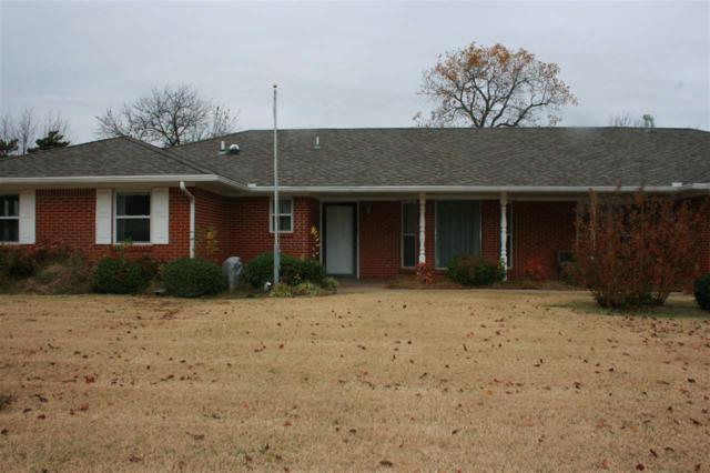 2406 NW Redwood Ln, Lawton, OK 73505 (MLS #149288) :: Pam & Barry's Team - RE/MAX Professionals