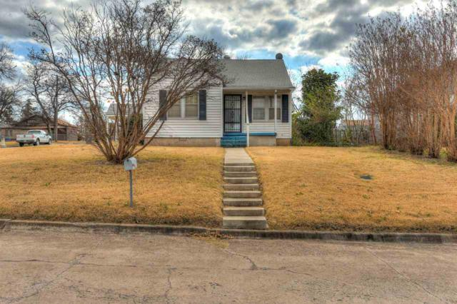 302 SW J Ave, Lawton, OK 73501 (MLS #149390) :: Pam & Barry's Team - RE/MAX Professionals