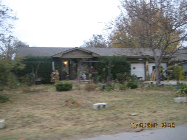 411 W Wade Street, Marlow, OK 73055 (MLS #149404) :: Pam & Barry's Team - RE/MAX Professionals