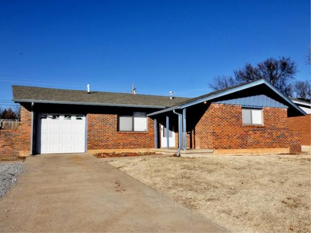 5305 NW Euclid Ave, Lawton, OK 73505 (MLS #149690) :: Pam & Barry's Team - RE/MAX Professionals