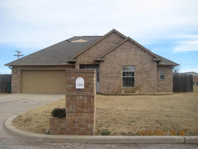 109 Thurman, Walters, OK 73572 (MLS #149748) :: Pam & Barry's Team - RE/MAX Professionals