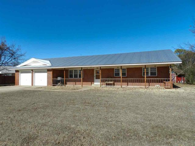 505 E Oklahoma St, Walters, OK 73572 (MLS #149759) :: Pam & Barry's Team - RE/MAX Professionals