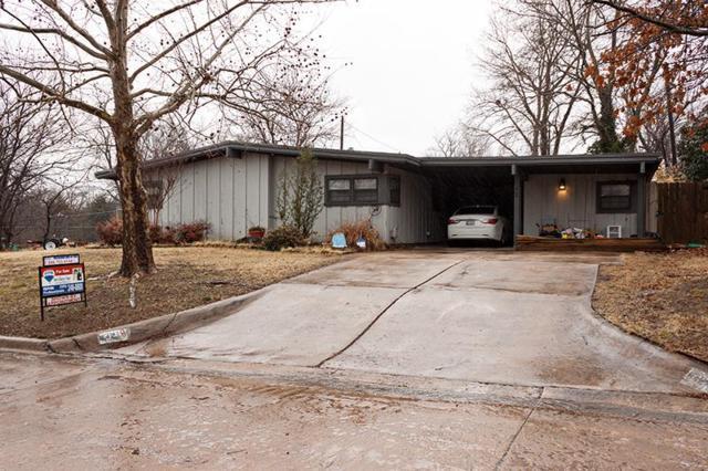 642 NW Mockingbird Rd, Lawton, OK 73507 (MLS #149786) :: Pam & Barry's Team - RE/MAX Professionals