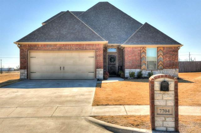 7704 SW Arnold Ct, Lawton, OK 73505 (MLS #149882) :: Pam & Barry's Team - RE/MAX Professionals