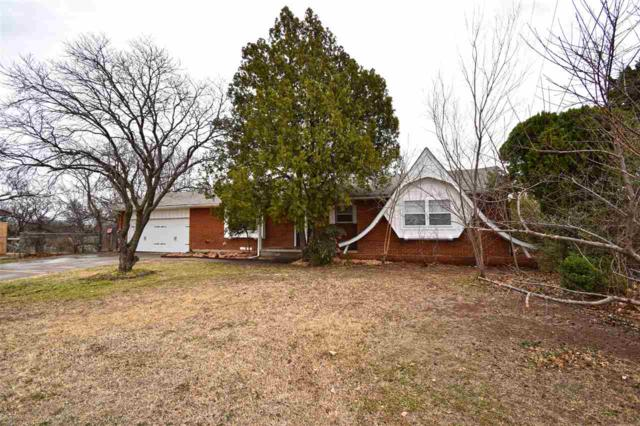 2701 NW Hilltop Dr, Lawton, OK 73507 (MLS #149957) :: Pam & Barry's Team - RE/MAX Professionals