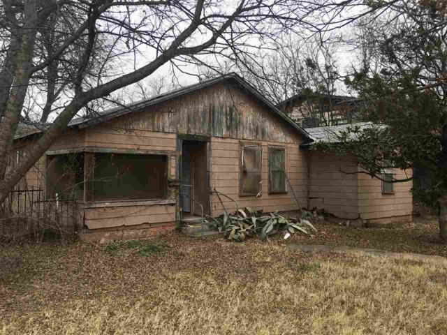 1515 SW H Ave, Lawton, OK 73501 (MLS #149965) :: Pam & Barry's Team - RE/MAX Professionals