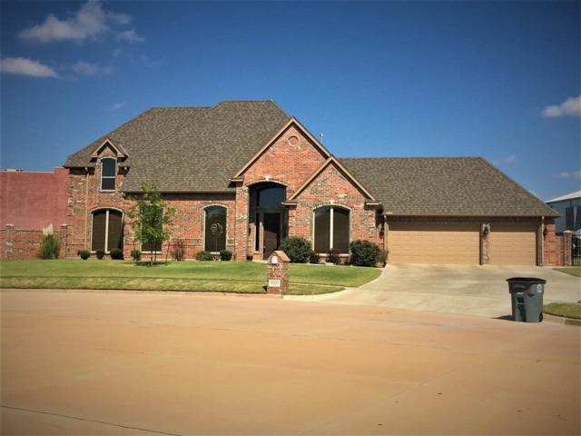 6927 NW Maple Dr, Lawton, OK 73505 (MLS #150043) :: Pam & Barry's Team - RE/MAX Professionals