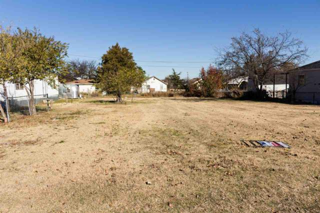2511 SW C Ave, Lawton, OK 73505 (MLS #150064) :: Pam & Barry's Team - RE/MAX Professionals