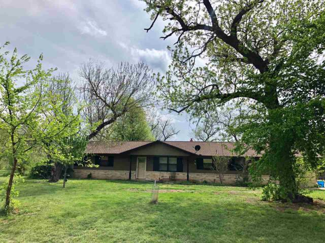 911 NW Apache Dr, Lawton, OK 73507 (MLS #150614) :: Pam & Barry's Team - RE/MAX Professionals