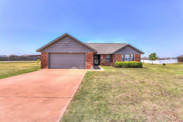 302 Choctaw Ave, Geronimo, OK 73543 (MLS #150929) :: Pam & Barry's Team - RE/MAX Professionals