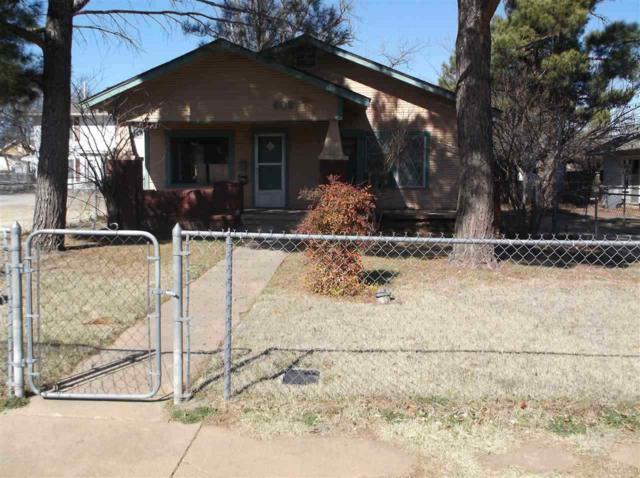 609 NW Columbia Ave, Lawton, OK 73501 (MLS #151023) :: Pam & Barry's Team - RE/MAX Professionals