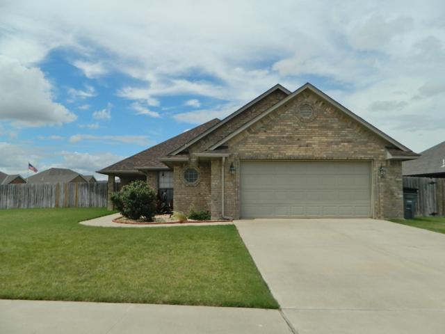 5317 SW Tyler Ave, Lawton, OK 73505 (MLS #151063) :: Pam & Barry's Team - RE/MAX Professionals