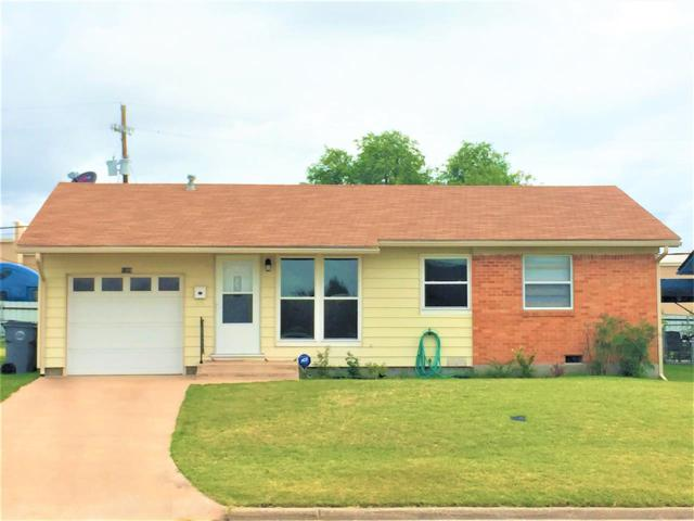 5309 NW Oak Ave, Lawton, OK 73505 (MLS #151081) :: Pam & Barry's Team - RE/MAX Professionals