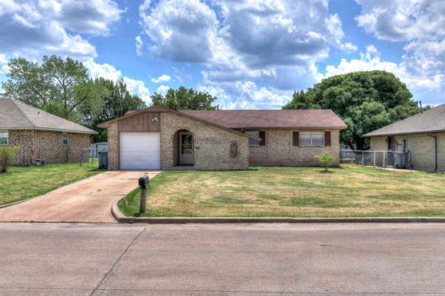 128 SW 69th St, Lawton, OK 73505 (MLS #151208) :: Pam & Barry's Team - RE/MAX Professionals