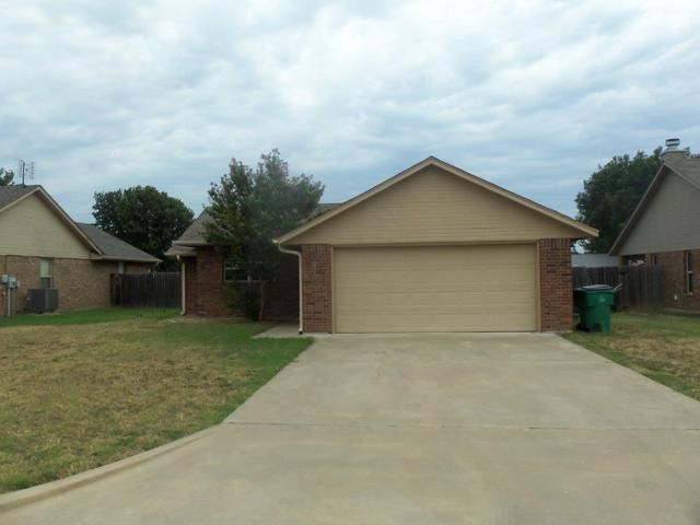 623 NW Granite Ave, Cache, OK 73527 (MLS #151421) :: Pam & Barry's Team - RE/MAX Professionals