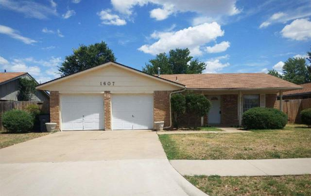 1607 NW 81st St, Lawton, OK 73505 (MLS #151433) :: Pam & Barry's Team - RE/MAX Professionals