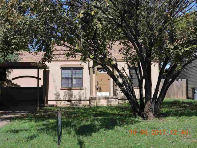 1139 NW Oak Ave, Lawton, OK 73507 (MLS #151484) :: Pam & Barry's Team - RE/MAX Professionals