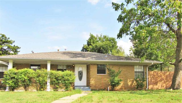 827 NW 31st St, Lawton, OK 73505 (MLS #151827) :: Pam & Barry's Team - RE/MAX Professionals