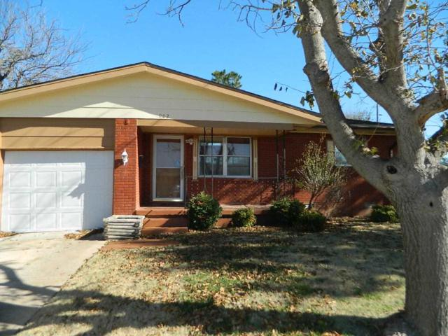 902 SW 35th St, Lawton, OK 73505 (MLS #152201) :: Pam & Barry's Team - RE/MAX Professionals