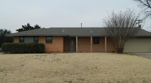 702 NW 35th Pl, Lawton, OK 73505 (MLS #152505) :: Pam & Barry's Team - RE/MAX Professionals