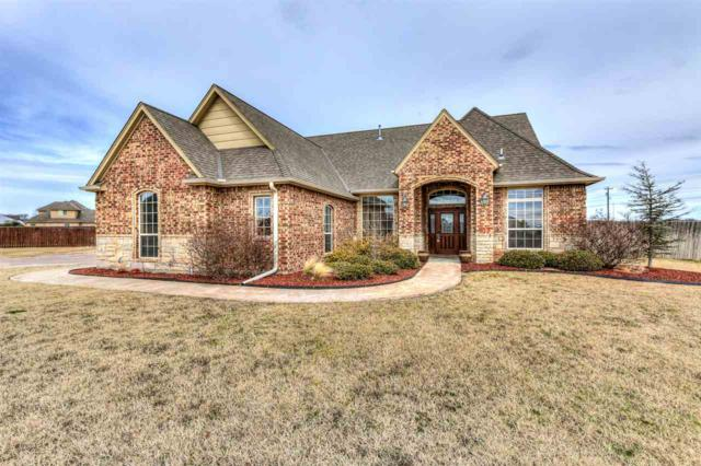 114 NW Sandy Trail Cir, Lawton, OK 73505 (MLS #152726) :: Pam & Barry's Team - RE/MAX Professionals