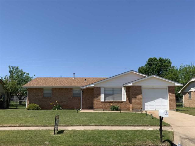 315 SW 74th St, Lawton, OK 73505 (MLS #153238) :: Pam & Barry's Team - RE/MAX Professionals