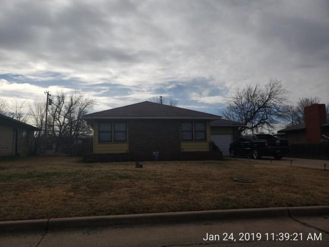 2216 NW Lindy Ave, Lawton, OK 73505 (MLS #153369) :: Pam & Barry's Team - RE/MAX Professionals