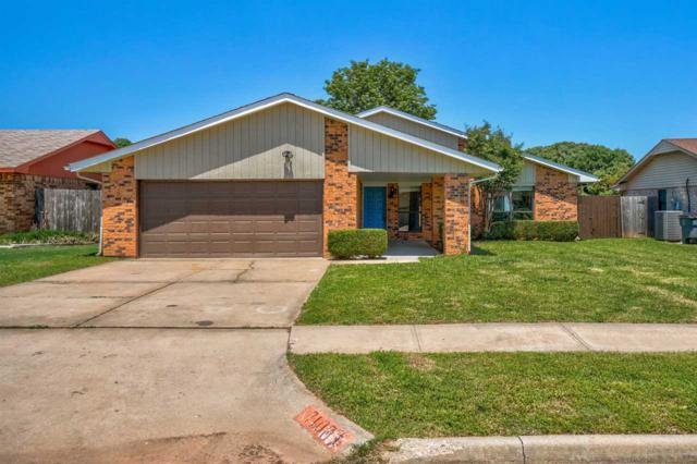 7107 NW Birch Pl, Lawton, OK 73505 (MLS #153379) :: Pam & Barry's Team - RE/MAX Professionals