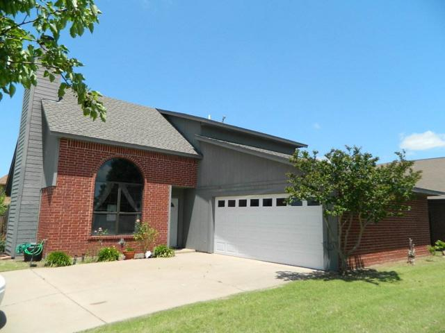 5002 SE 47th St, Lawton, OK 73501 (MLS #153402) :: Pam & Barry's Team - RE/MAX Professionals