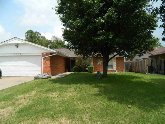 1709 NW Gray Warr Pl, Lawton, OK 73505 (MLS #153486) :: Pam & Barry's Team - RE/MAX Professionals