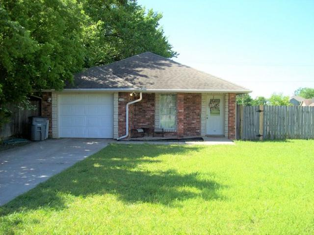 1610 NW Columbia Ave, Lawton, OK 73505 (MLS #153558) :: Pam & Barry's Team - RE/MAX Professionals