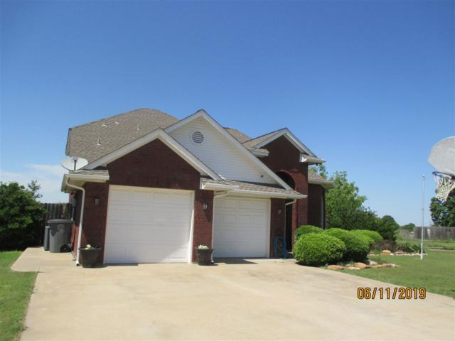 7201 NW Crestwood Dr, Lawton, OK 73505 (MLS #153655) :: Pam & Barry's Team - RE/MAX Professionals