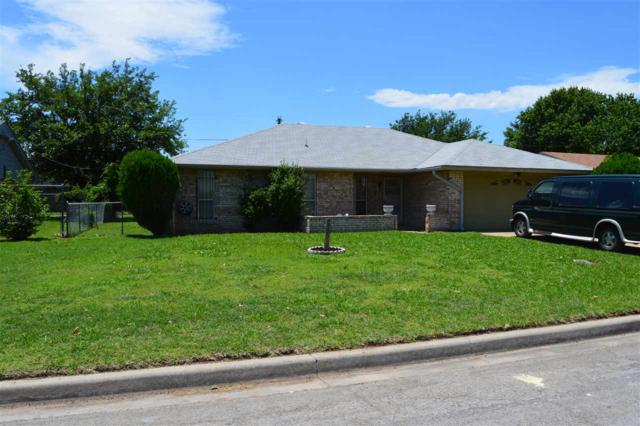 1607 SE Indiana Ave, Lawton, OK 73501 (MLS #153666) :: Pam & Barry's Team - RE/MAX Professionals
