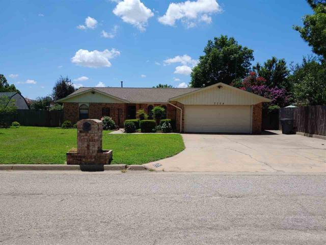 7704 NW Kingsbury Ave, Lawton, OK 73505 (MLS #153750) :: Pam & Barry's Team - RE/MAX Professionals