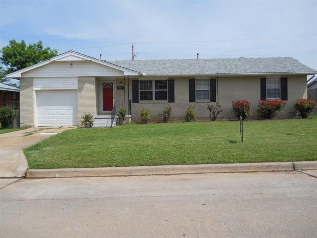 3807 NW Meadowbrook Dr, Lawton, OK 73505 (MLS #153797) :: Pam & Barry's Team - RE/MAX Professionals