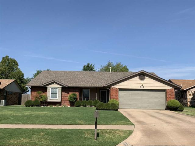 819 SW Chaucer Dr, Lawton, OK 73505 (MLS #153899) :: Pam & Barry's Team - RE/MAX Professionals