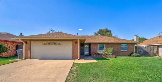7109 NW Ash Ave, Lawton, OK 73505 (MLS #154045) :: Pam & Barry's Team - RE/MAX Professionals