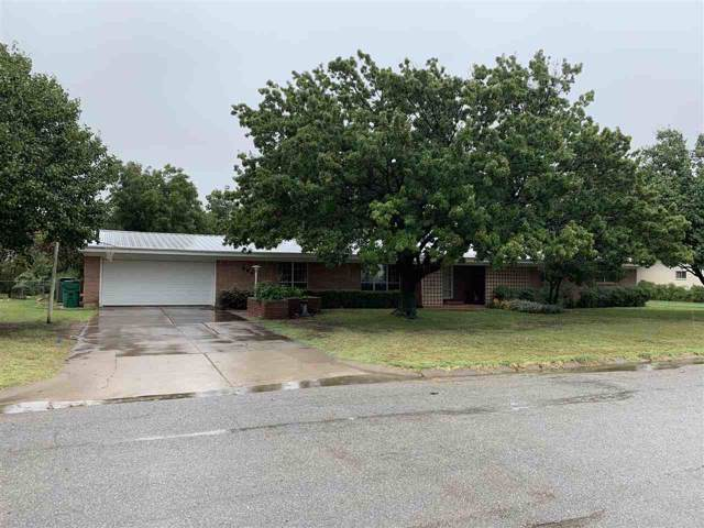 505 E Kansas St, Walters, OK 73572 (MLS #154364) :: Pam & Barry's Team - RE/MAX Professionals