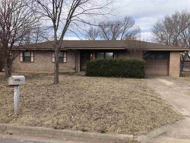 105 Buffalo Dr, Cache, OK 73527 (MLS #155040) :: Pam & Barry's Team - RE/MAX Professionals