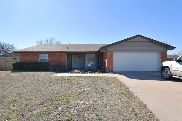 217 SW Crystal Hills Dr, Lawton, OK 73505 (MLS #155260) :: Pam & Barry's Team - RE/MAX Professionals