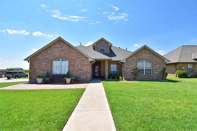 2303 SW 55th St, Lawton, OK 73505 (MLS #156006) :: Pam & Barry's Team - RE/MAX Professionals