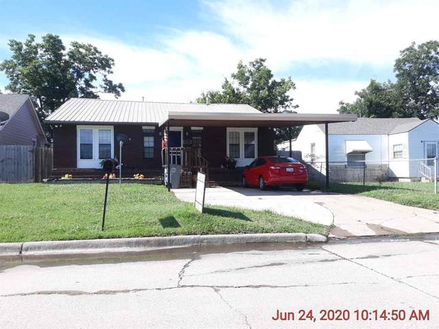 1812 NW Arlington Ave, Lawton, OK 73505 (MLS #156105) :: Pam & Barry's Team - RE/MAX Professionals