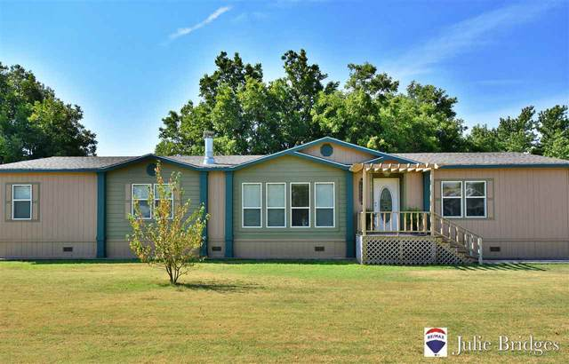 606 W Gauger Ave, Rush Springs, OK 73082 (MLS #156507) :: Pam & Barry's Team - RE/MAX Professionals