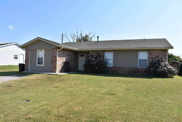 802 Geronimo St, Geronimo, OK 73543 (MLS #156843) :: Pam & Barry's Team - RE/MAX Professionals