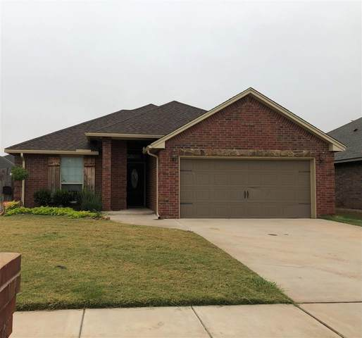 2217 SW Oxford Ave, Lawton, OK 73505 (MLS #156966) :: Pam & Barry's Team - RE/MAX Professionals