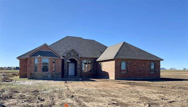 345 NW Mountain Lake Crest, Lawton, OK 73507 (MLS #157097) :: Pam & Barry's Team - RE/MAX Professionals