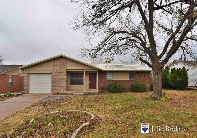 304 Oak St, Elgin, OK 73538 (MLS #157110) :: Pam & Barry's Team - RE/MAX Professionals