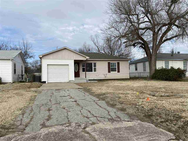 2611 NW Pollard Ave, Lawton, OK 73505 (MLS #157314) :: Pam & Barry's Team - RE/MAX Professionals