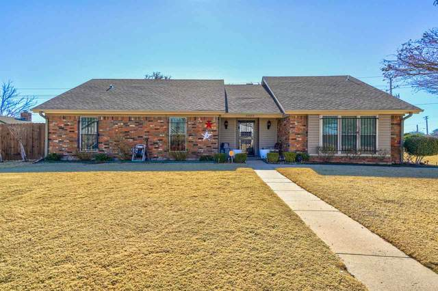 5920 NW Lincoln, Lawton, OK 73505 (MLS #157457) :: Pam & Barry's Team - RE/MAX Professionals